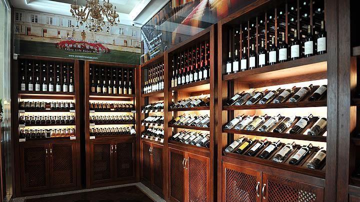 酒窖酒庄装修设计酒庄装修设计,有的欧式风格出众,有的则是个性沉稳